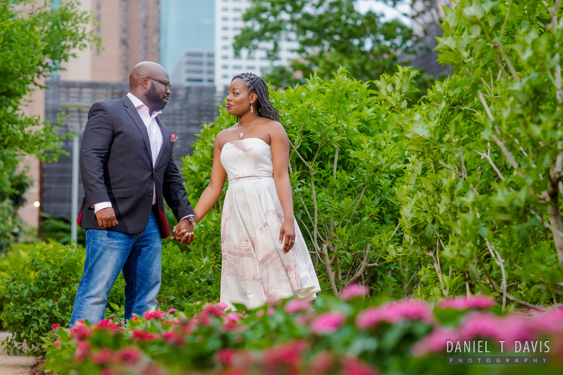 Discovery Green Houston Engagement Photos