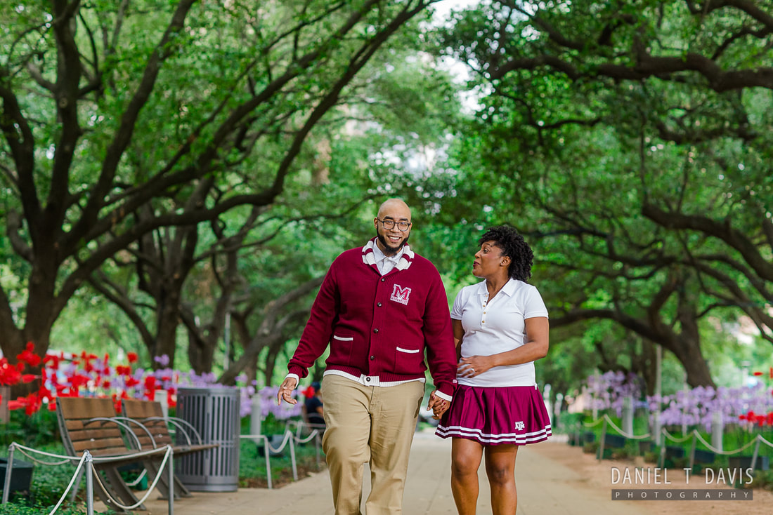 FUN AND FABULOUS DOWNTOWN HOUSTON ENGAGEMENT PHOTOS - DANIEL