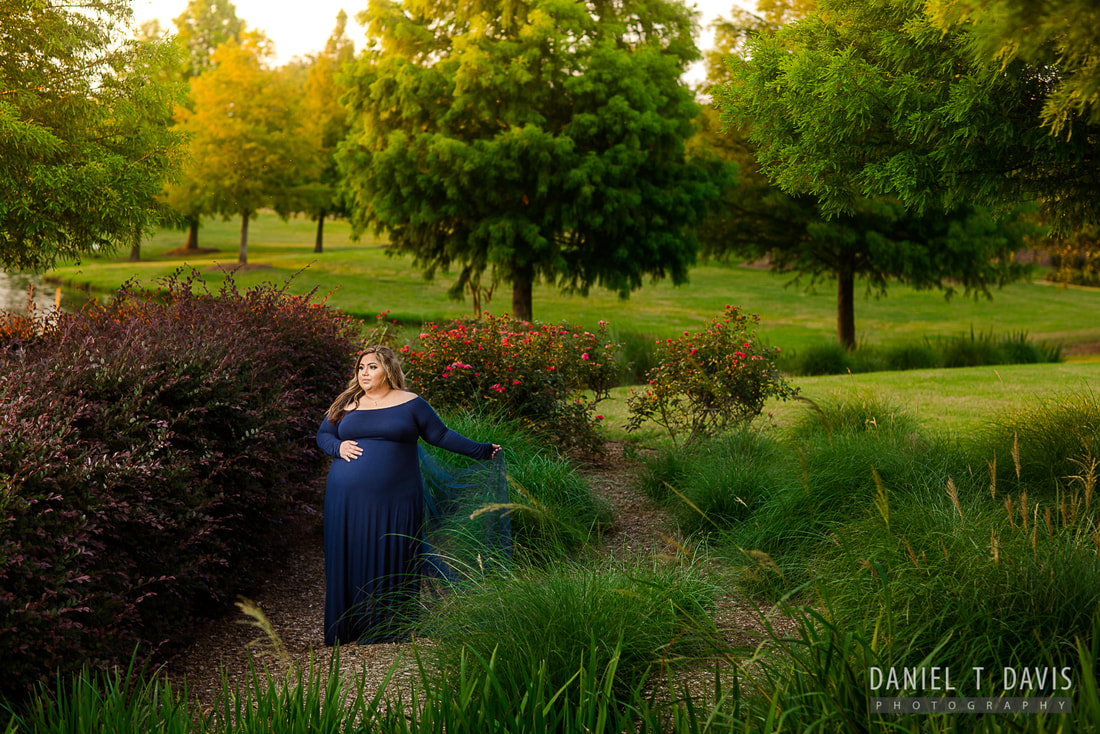 Sugarland Maternity Photographers